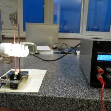Проверка работы ВЧ-генератора на PTFA211801E. 6,5 В при токе 4,6 А.