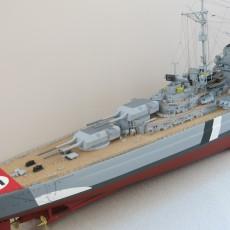 Модель линкора Бисмарк, корма.