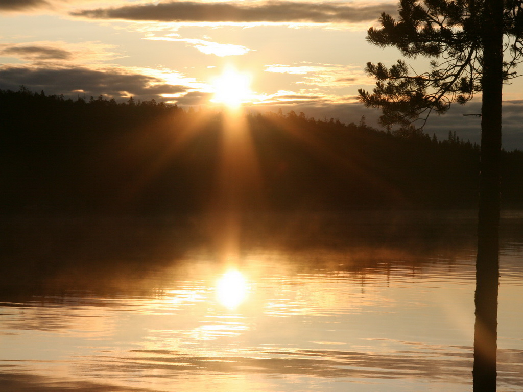 Последний рассвет на озере
